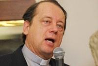 """""""Nagytarcsáért aranygyűrűvel"""" tüntették ki Gáncs Péter püspököt"""
