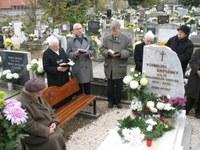 Hálát adtak Túrmezei Erzsébet megújított sírkövéért