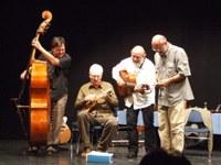 Prónay-díjat kapott a Kaláka együttes – Művészkollégák meglepetéskoncertjén plusz meglepetés volt a díj átadása
