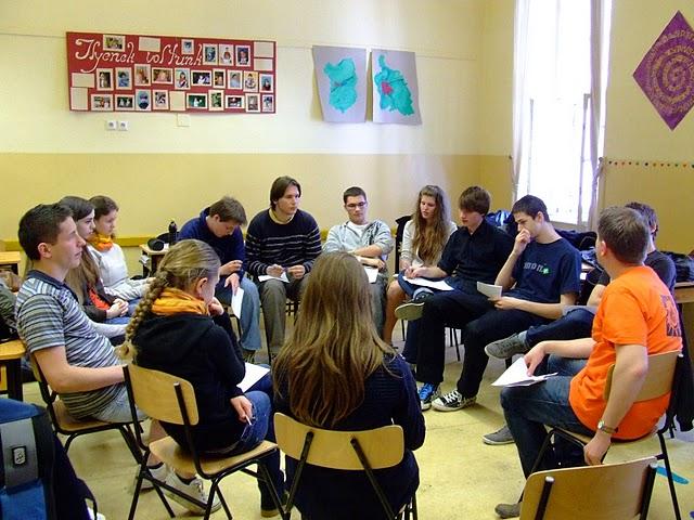 Gimnáziumi csendesnapokat tartottak a KÖSZI közreműködésével