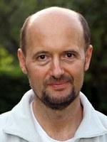 """""""Az értékrendet hiteles emberek közvetítik"""" – Interjú Csermely Péterrel"""