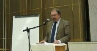 """""""Fel kell ismerni: nem a reprezentáció, hanem a szolgálat a lényeges"""" – Interjú dr. Fabiny Tiborral"""