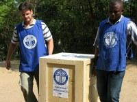 A Magyar Ökumenikus Segélyszervezet Haitin lévő munkatársával beszélgettünk – Segélyszállítmány szétosztásában, iskolák újjáépítésében segít Sasvári Gábor