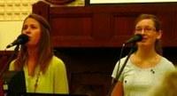 Keresztút – Teltház előtt koncertezett a keresztyén zenekar