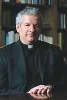 A püspök szívélyes párbeszédre invitálta az MSZP szóvivőjét