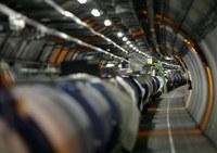Hadronütköztető: Szombattól megint elpárolgó fekete lyukak keletkezhetnek