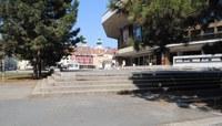 II. János Pál szobrot terveznek a színház előtti térre