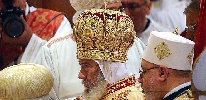 A kopt keresztények Mubarak védelmében bíznak
