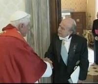 A pápa együtt érez Chilével