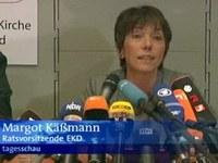A politikusok és más egyházak képviselői is szomorúan vették tudomásul Käßmann visszalépését