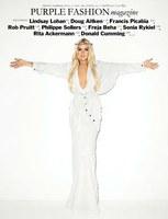Lohan Jézusként pózol a Purple magazinban