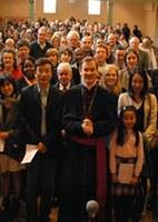 Szentmise az újonnan keresztelteknek Londonban