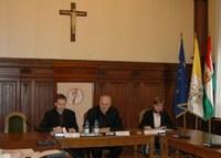 Diszkriminálja az egyházat a kormány: sérül a jogállam