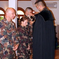 Keresztelő és emlékezés Koszovóban