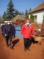 Továbbra is nagy szükség van az önkéntes segítőkre – mondta Juliusz Janusz az iszapkatasztrófa helyszínén