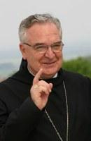 Várszegi Asztrik: morális felelőssége van az egyházaknak romakérdésben