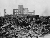 A világ Hirosima és Nagaszaki elpusztítására emlékezik